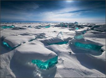 http://www.lifefoc.com/photos/server4/lake_baikal_ice.jpg