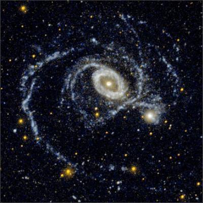 http://annesastronomynews.com/wp-content/uploads/2012/02/NGC-1512.jpg
