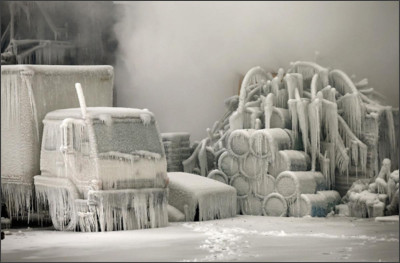 http://cdn.theatlantic.com/assets/media/img/photo/2013/01/chicagos-freezing-fire/c01_59924583/main_1200.jpg