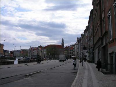 http://www.lares.dti.ne.jp/~tm230517/DTI_forFTP/Copenhagen_2010/CopenhagenCenter_2011_SANY0247.jpg