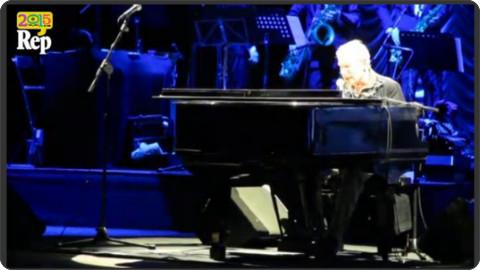 http://video.repubblica.it/dossier/la-repubblica-delle-idee-2015/repidee-paolo-conte-live-sotto-le-stelle-del-jazz/203468