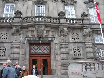 http://www.lares.dti.ne.jp/~tm230517/DTI_forFTP/Copenhagen_2010/CopenhagenCenter_2011_SANY0147.jpg