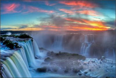 http://www.wondermondo.com/Images/SAmerica/Argentina/Misiones/Iguazu.jpg