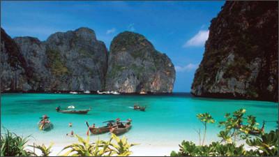 http://www.travelingtolive.com/wp-content/uploads/2016/02/raja-ampat-beach-indonesia.jpg