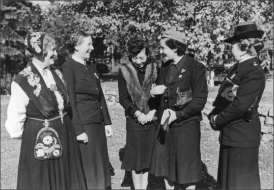 https://diewahrheitistwieeingewitter.wordpress.com/2015/08/16/the-rally-of-the-german-womens-league-1936-nurnberg-reichsparteitages/
