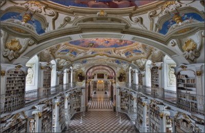 https://upload.wikimedia.org/wikipedia/commons/5/5c/Austria_-_Admont_Abbey_Library_-_1267.jpg