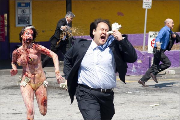 http://3.bp.blogspot.com/_EaV221bYaso/Sw7Whk6UY5I/AAAAAAAADFA/N4wzeVAfEf4/s1600/Zombieland_Stipper+Chase.jpg