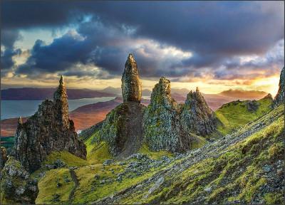http://2.bp.blogspot.com/-h7tdgipFVUE/U7xN1PKs7KI/AAAAAAAAHLk/ui-hSaGFWDU/s1600/Old+Man+of+Storr+Scotland+Ross+Web.jpg